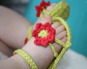 Flower Power Baby Sandals Crochet Tutorial