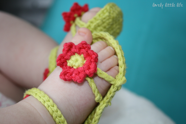 Simple Crochet Patterns For Baby Booties : Craft Notes: Free Crochet Pattern Roundup: 5 Summer Amigurumi
