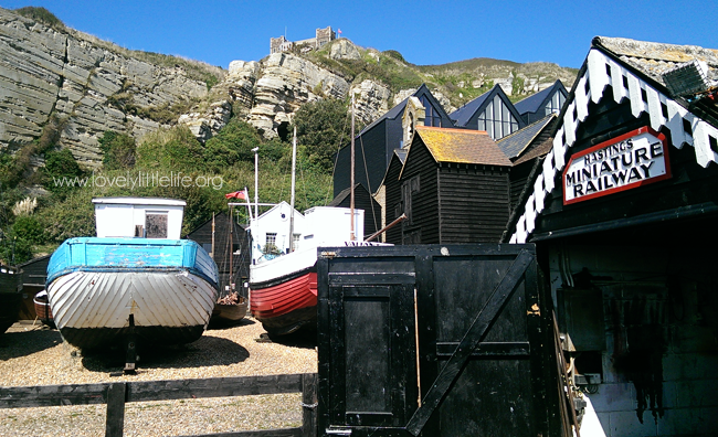 Hastings Miniature Railway, Cliffs and Boats
