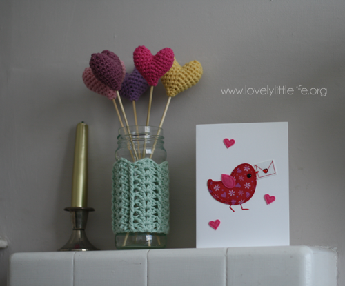 crochet-hearts-on-sticks