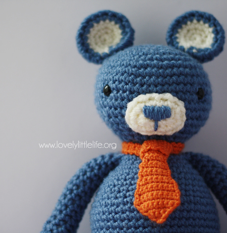 Free Crochet Pattern for an Amigurumi Teddy Bear in a Sweater ... | 462x450